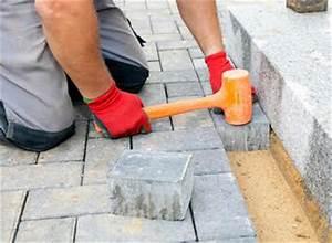 Dallage Exterieur Pour Passage Voiture : r aliser une all e en dalles dans le jardin quelles ~ Premium-room.com Idées de Décoration