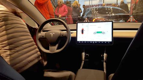 Download Tesla 3 In Germany Pics