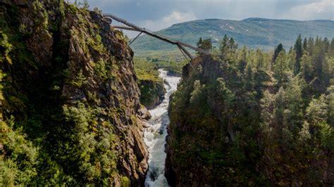 FOTO: drosmīgajiem ceļotājiem patiks - Norvēģijā virs ...