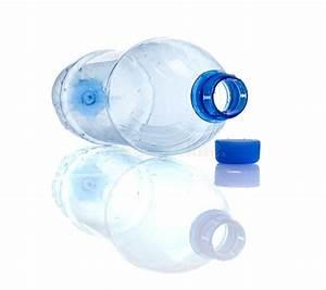 Bouteille En Plastique Vide : bouteille en plastique vide photo stock image du clairsem plastique 13612466 ~ Dallasstarsshop.com Idées de Décoration