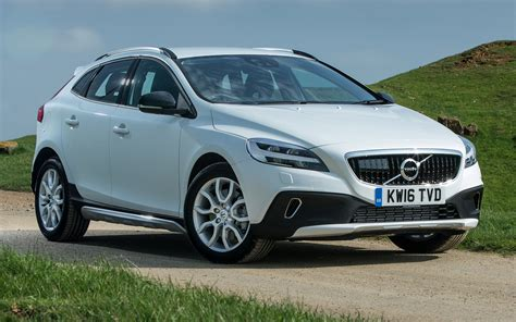 Volvo V40 Cross Country Backgrounds by Volvo V40 Cross Country 2016 Uk Wallpapers And Hd Images