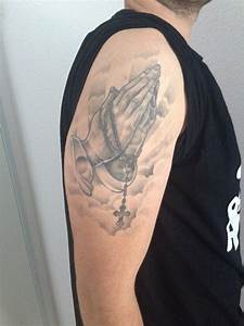 Kreuz Tattoo Oberarm : welches motiv zur erg nzung tattoomotive tattooscout forum ~ Frokenaadalensverden.com Haus und Dekorationen