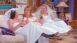 Here39s what happened on friends the one with the wedding for Friends wedding dress