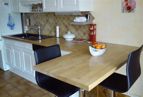 vernis table cuisine rénover sa cuisine avec des plans de travail en bois