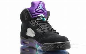 """""""Black Grape"""" Air Jordan V"""