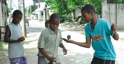Y cualiquier persona.bean mis video en. Niños y niñas retoman juegos tradicionales - Imagenes Dominicanas