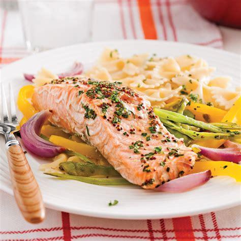 truite cuisine truite saumon 233 e en papillote et julienne de l 233 gumes