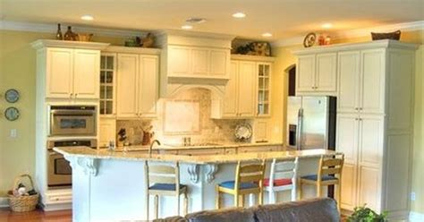 images of kitchen cabinets with hardware how to clean white cabinets white cabinets cleaning and 8976