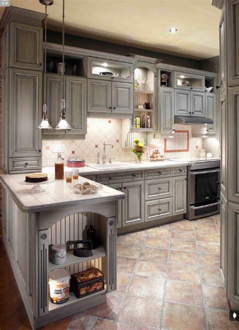 armoire en coin cuisine armoire de cuisine style classique créations sylvain