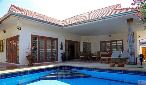louer maison avec piscine 1000 images about maison on aquarium cuisine and mediterranean houses