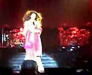 Beyonce Dangerously in love live at Mumbai - YouTube