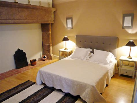 chambre d hotes rhone chambre d 39 hôtes tomfort à figeac dans le lot chambre