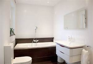 Badewanne Kleines Bad : 42 ideen f r kleine b der und badezimmer bilder ~ Buech-reservation.com Haus und Dekorationen