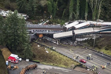 Amtrak Crew In Washington State Train Crash Was Not Using