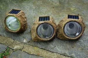 Batterien Für Solarlampen : akku f r solarlampe aufladen oder ersetzen ratgeber ~ A.2002-acura-tl-radio.info Haus und Dekorationen