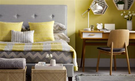 Bedroom Decorating Ideas For Yellow Walls by Bedroom Colour Schemes Colourful Bedrooms Bedroom Colours