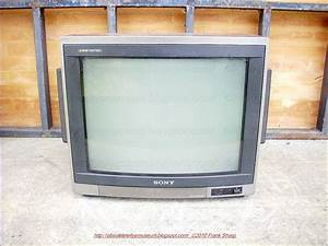 Obsolete Technology Tellye    Sony Trinitron Kv