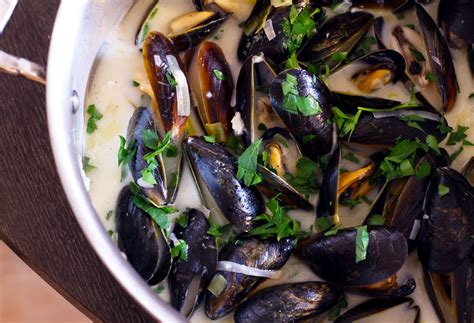 recipe for mussel pot moules marini 232 res the gourmet gourmand