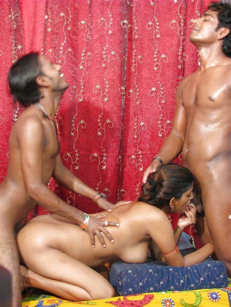Indian Desi Couples Threesome 12 Pics Xhamster