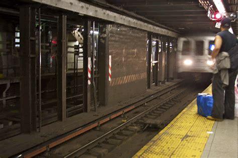 The underground railroad dizisini sitemize tıklayarak full hd kalite farkıyla türkçe bir şekilde izleyebilirsiniz. 8 Things We All Hate About The Subway - Is this why I'm ...