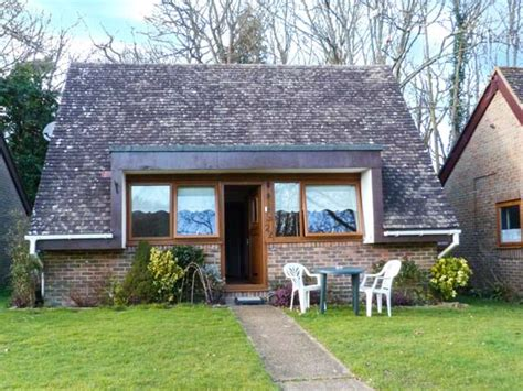 cottage holidays uk 22 glyndley manor cottages cross hailsham