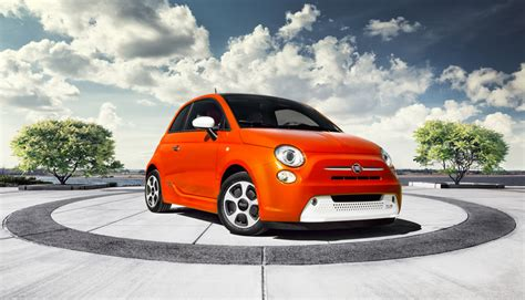 Fiat Meaning In Italian by Fiat 500e Electric Hatchback At La Auto Show
