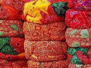 Top of the check-list items to buy when Shopping in Jaipur
