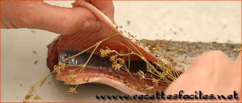 comment cuisiner la truite au four faire cuire une truite au four en papillotte recette