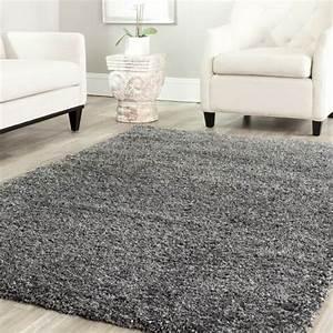 tapis shaggy style et confort dans espace maison 23 photos With tapis shaggy avec fauteuil et canapé