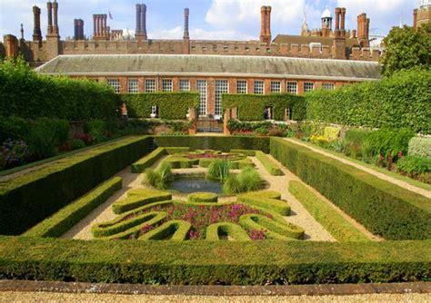 hampton court palace golden tours