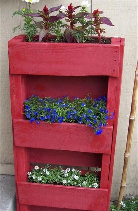 garden styling  pallet vertical planter wooden