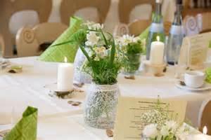 hochzeitsdekoration blumen hochzeitsdekoration teil 2 rustikale vintagehochzeit in grün weiß