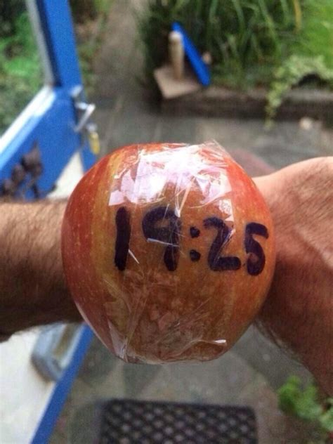 apple humor   laugh poking   macbook apple