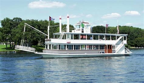 Boating In Wisconsin by Lake Geneva Attractions Boating Shopping And Hiking In