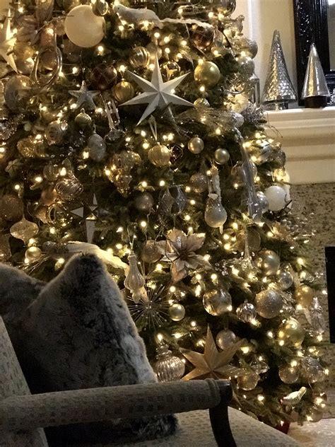 elegant  silver  gold christmas tree decorating ideas