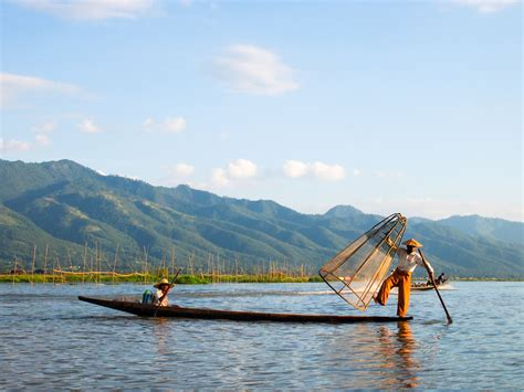 Two Days on Inle Lake: The Good, the Bad, the Big Fat Cheroot