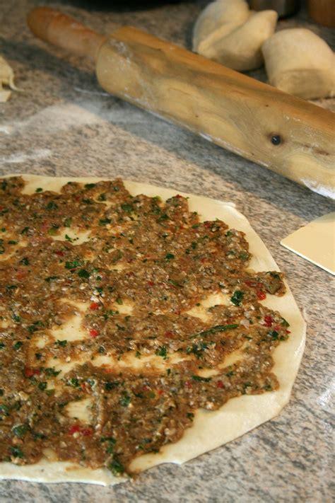recette pate a pizza turc lahmacun viande avec p 226 te la pizza turque recette