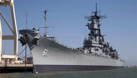 seattle visitors bureau los angeles museum battleship uss iowa photos