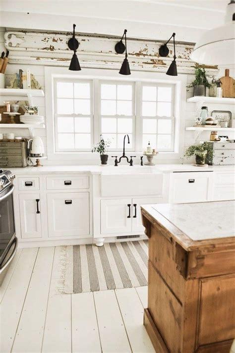 3 Inspiring Kitchens by 35 Inspiring White Farmhouse Style Kitchen Ideas To
