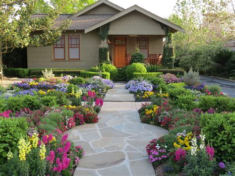 Flowers Front Yard Landscape Traditional With Garden Bed