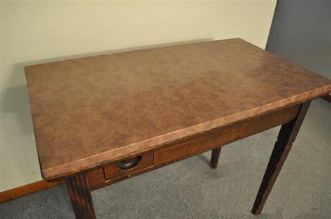 vieux bureau en bois comment fabriquer un porte magazines en bois et en cuir