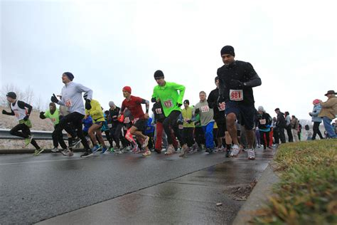 slideshow 38th annual ymca thanksgiving day 5 mile run and walk news register herald