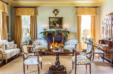 Suzanne Rheinstein's Tips For A Classically Elegant Christmas