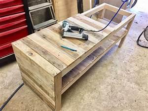 Fabriquer Un Banc D Interieur : fabriquer un banc en palette pour ranger les chaussures ~ Melissatoandfro.com Idées de Décoration