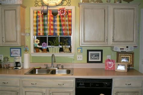 kitchen pictures with cabinets best 25 black distressed cabinets ideas on 8393