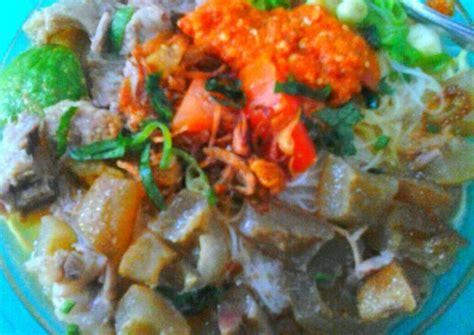 Baru lanjutkan masak kikil menjadi sup mengikuti resep dari buku 100 resep sop & soto indonesia oleh dapur kirana terbitan gramedia pustaka utama. Resep SOTO MIE KIKIL oleh Ricka Erlyani - Cookpad