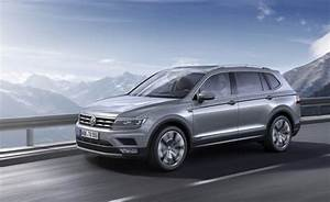 Tiguane 7 Places : volkswagen introduces new engine in 2018 tiguan news car and driver car and driver blog ~ Maxctalentgroup.com Avis de Voitures
