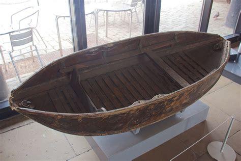 Folding A Boat by Folding Boat
