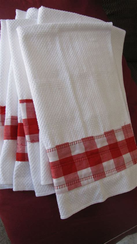 Kitchen Towels by Best 25 Dish Towels Ideas On Hanging Towels