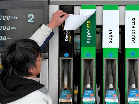 die tankstellen halten neuen biosprit kuenstlich billig